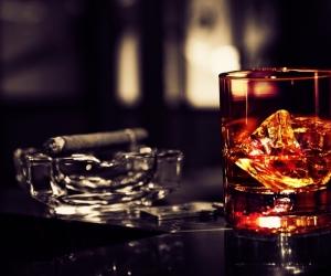 whiskey-and-cigar
