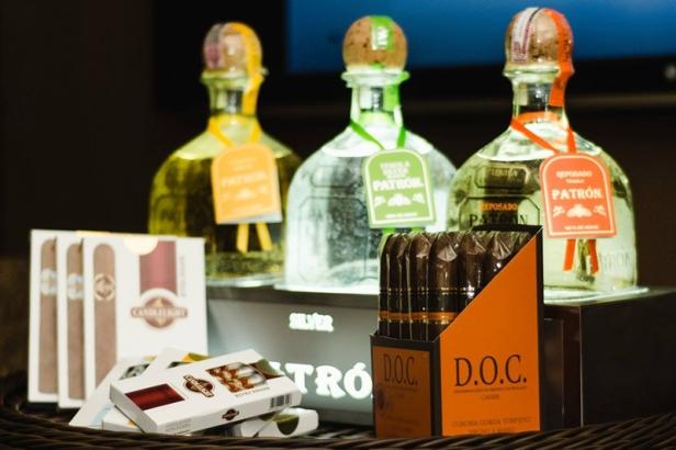 Tequila Patron e charutos DOC Torpedo