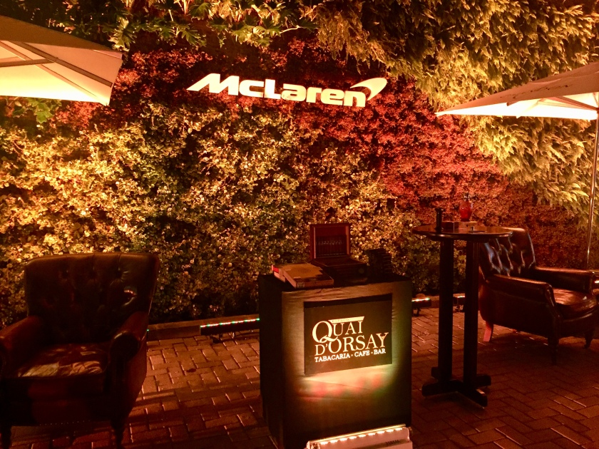 CigarLounge Outdoors McLaren Brasil